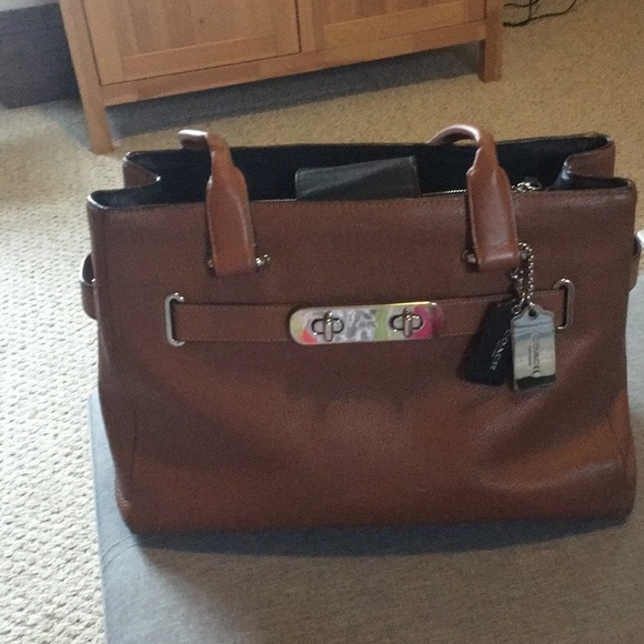 Coach Handbags - Coach Swagger Saddle Pebbled Leather Carryall Tote